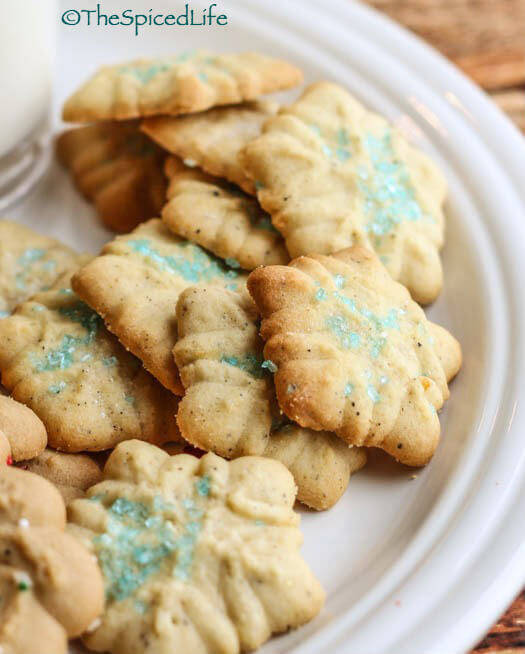 Cookie Press Fiori di Sicilia Orange Snowflake Cookies--simple and fast with a cookie press!