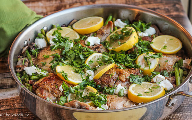 Italian Inspired Lemon Chicken with Asparagus, Mushrooms and Goat Cheese: easy and so delicious!