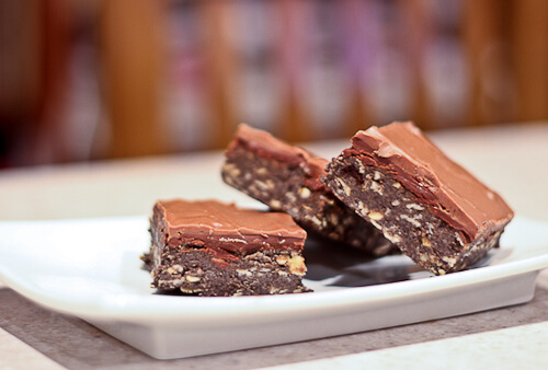 No Bake Chocolate, Peanut Butter and Oatmeal Bars