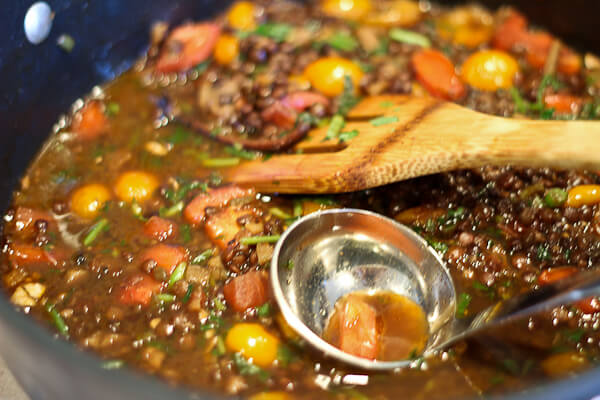 Bhunni Saabut Masoor Dal (Roasted Green Lentils with Tomatoes); Indian curry