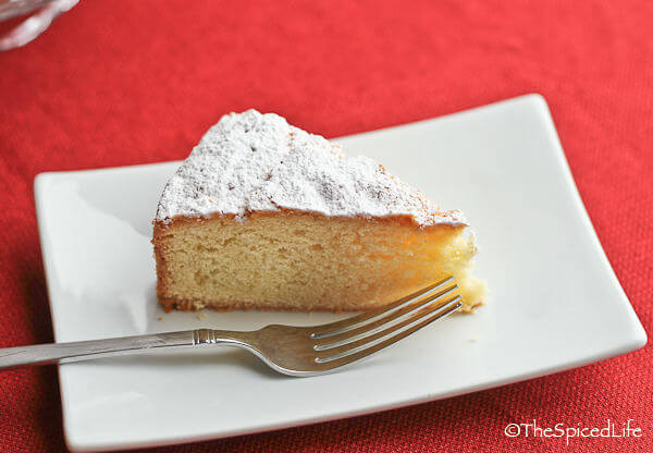 Italian Paradise Cake with lemon and vanilla