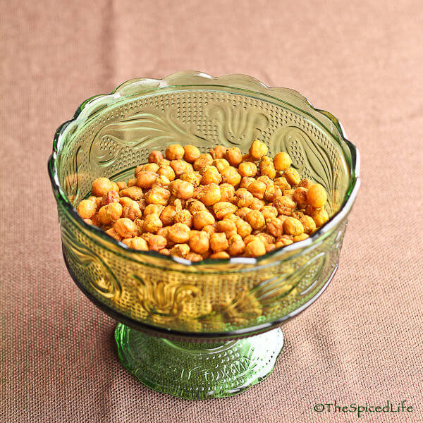 Crispy Crunchy Roasted Chickpeas with Cumin and Curry Powder