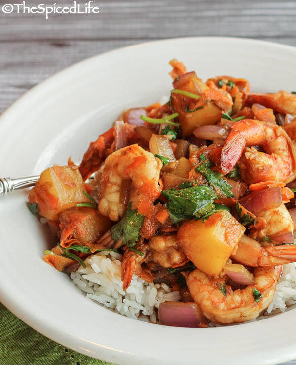 Stir Fry of Sweet and Salty Shrimp with Pineapple and Carrots; Review of 300 Best Stir Fry Recipes