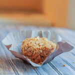 Apple Oatmeal and Goat Cheese Muffins: 100% Whole Grain and with a streusel top: healthy, delicious, not too sweet--perfect for breakfast!