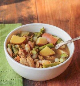 Mexican Green Soup with Asparagus and Potatoes (Sopa Verde de Espárragos y Patatas)